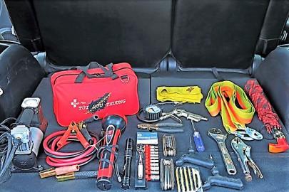 Những vật dụng cần mang theo khi đi ô tô