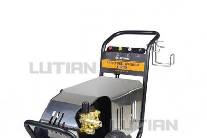 Vai trò và ứng dụng của máy rửa xe công nghiệp